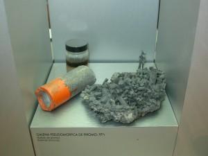 方鉛鉱の緑鉛鉱仮,フランス