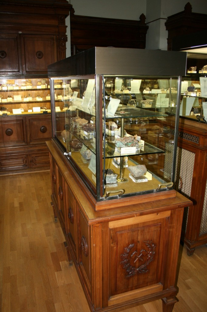 mineral cabinet madrid