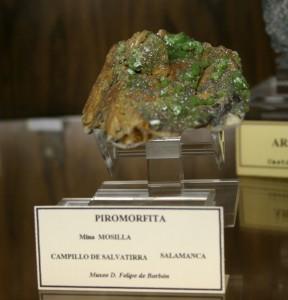 綺麗な若草色の緑鉛鉱,珍しい産地のCampillo de Salvatierra, Salamancaから