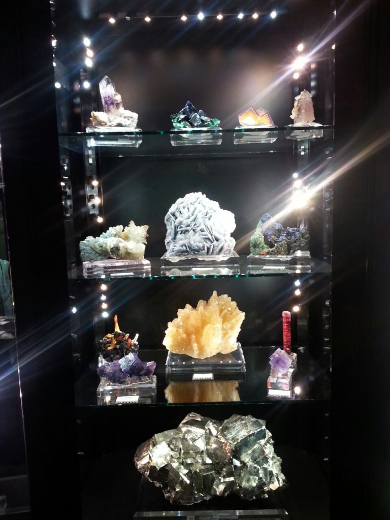 Fine minerals at the Tucson City Center Mineral Show